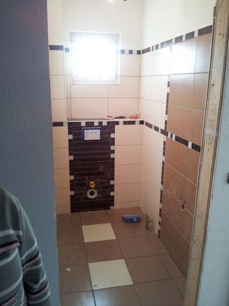 Kachličky na záchodě