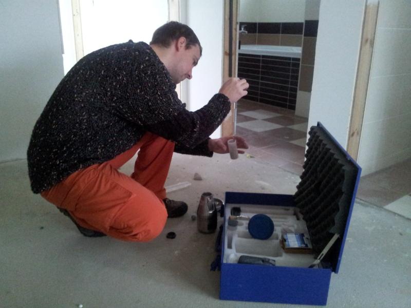 Měření vlhkosti podlahy